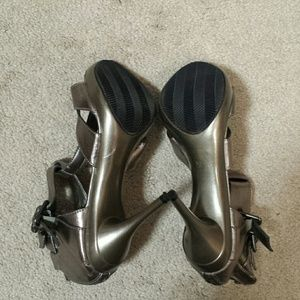 Beyond Shoes - NWOT strappy heels by Beyond
